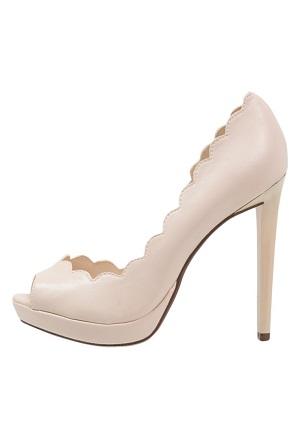 Flot højhælet sko hvid