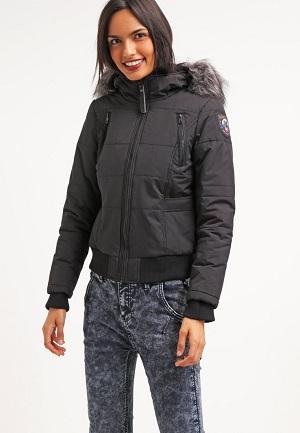 Flot sort jakke til kvinder om vinteren