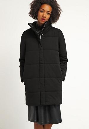 Lang sort vinterfrakke til kvinder
