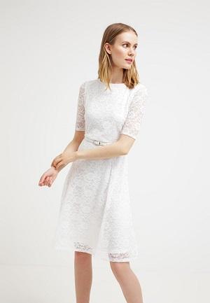 Hvid sommerkjole med blonde