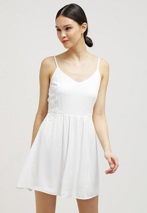 Korte hvide sommerkjoler