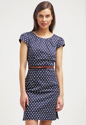 Prikket og billig kjole til sommer