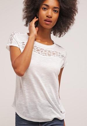 Hvid og fed t-shirt til kvinder