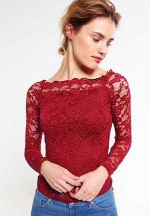 fede-bluser-til-kvinder-i-roed