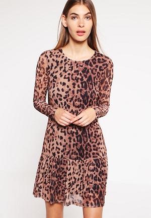 farverige-kjoler-med-moenster-fra-dyr