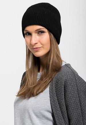 Vinterhue til kvinder i sort